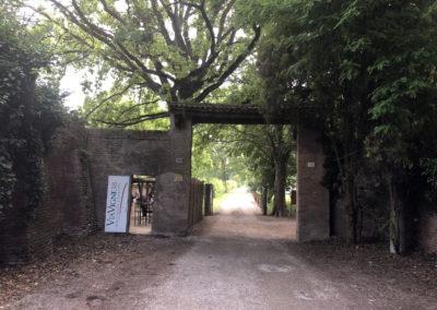 L'ingresso dell'Agribar via Vigne 38